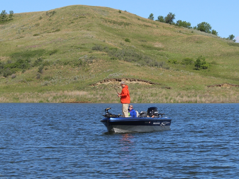 Dakota country magazine for Missouri river fishing report south dakota