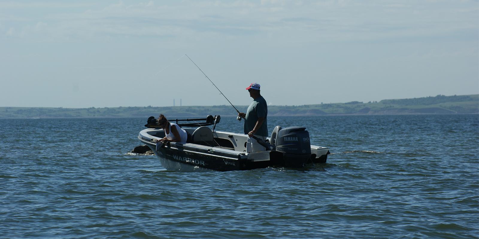 Dakota country magazine for Lake sakakawea fishing